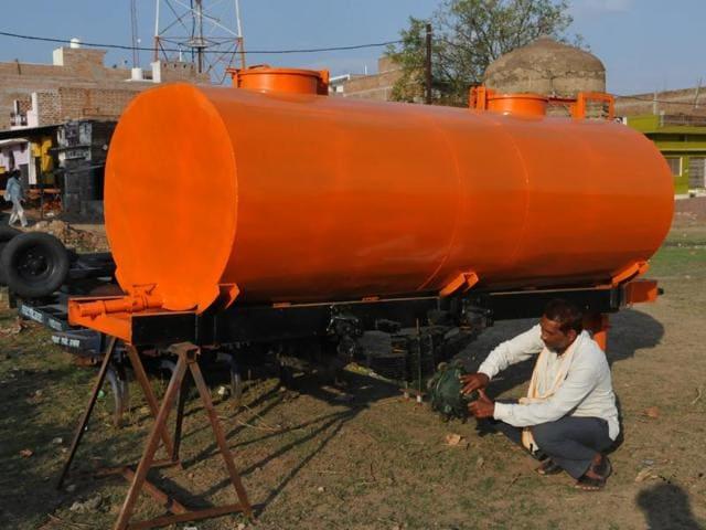 Bundelkhand,farm tool manufacture in Bundelkhand,tractor-driven tankers in Bundelkhand
