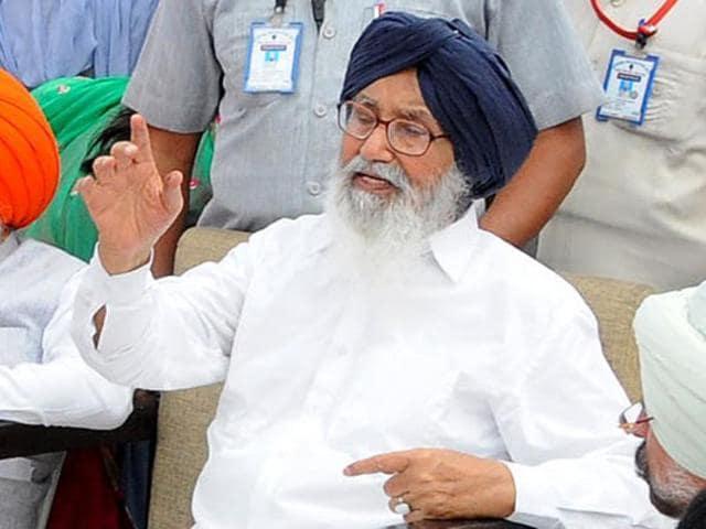 Parkash Singh Badal,Congress,sangat darshan programme