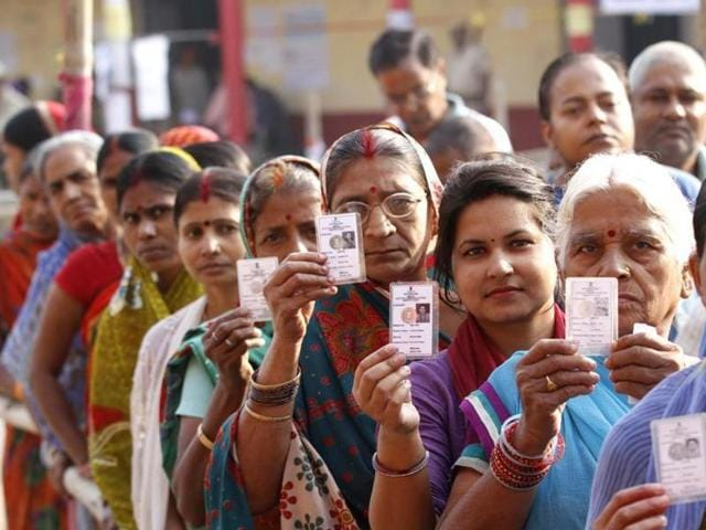 People queue up to cast their votes in the former Maoist belts of Purulia, Bankura and West Midnapore in the first phase with 18 constituencies.
