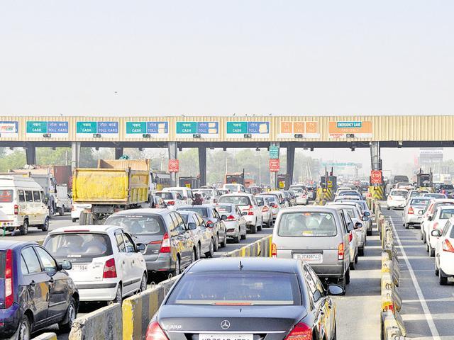 The 23-lane Kherki Daula toll plaza has become a major bottleneck on the 27.7-km Delhi-Gurgaon Expressway.
