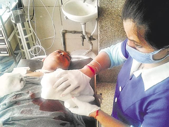 Man attacks barber,Sharp-edged weapon,Jalandhar