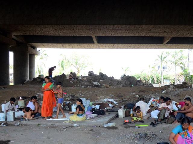 The migrants living under the Turbhe flyover, Navi Mumbai.