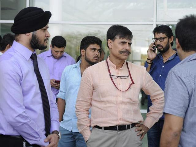 National Investigation Agency Inspector General Sanjeev Kumar Singh visited Fortis Hospital where deceased  officer Mohammad Tanzil Ahmed's wife is admitted.