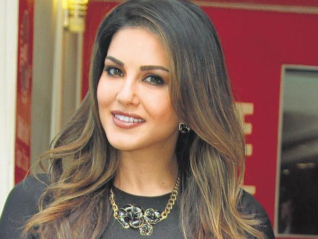 Sunny Leone,defamation,Pooja Misrra