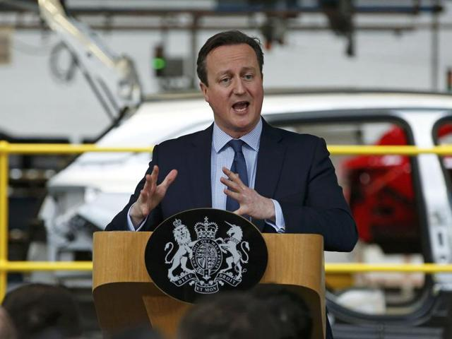 Britain's Prime Minister David Cameron speaks to workers about the benefits of Britain staying in the EU in Ellesmere Port, Britain, March 10.