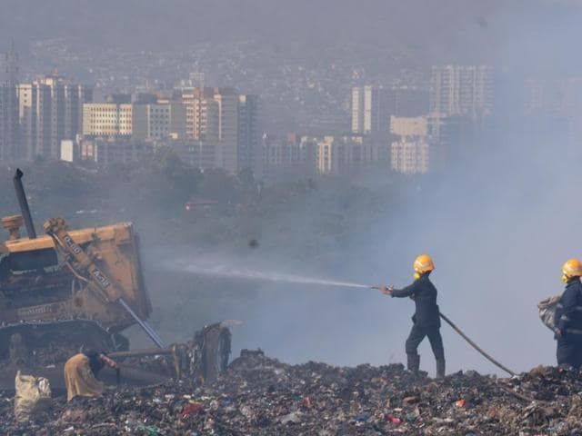In January, the civic body had used drones at the dumping ground, but they had to be brought down because the BMC had not taken permission from the police as well as the airport authority to fly them. (Photo by Prashant Waydande / Hindustan Times)