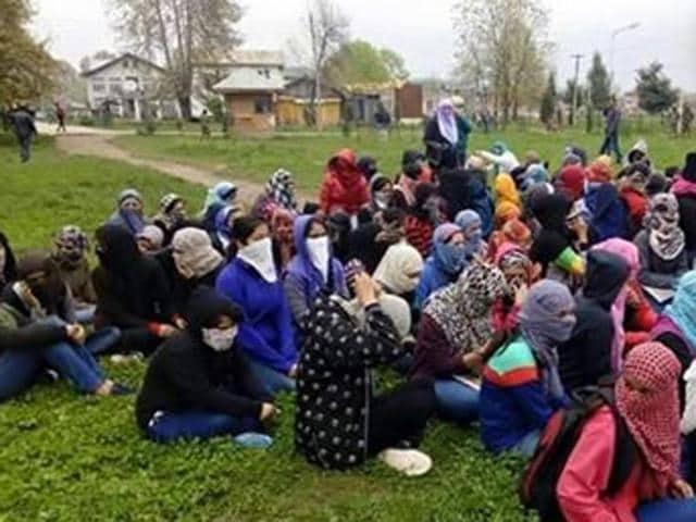 Students protesting at NIT, Srinagar