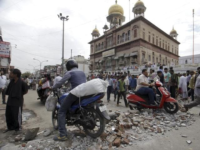 A drive was undertaken by the North Delhi Municipal Corporation after a March 28 court orders for the removal of illegal encroachments, including illegal religious structures, in Chandni Chowk within two weeks.