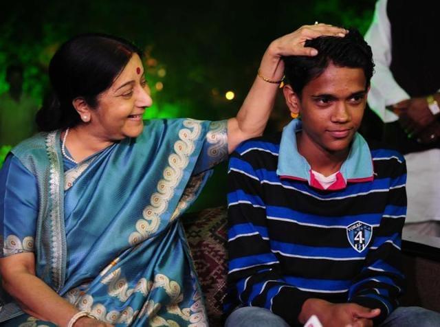 Ramzan in Bhopal,Pak boy lost in INdia,Pakistani boy inIndia