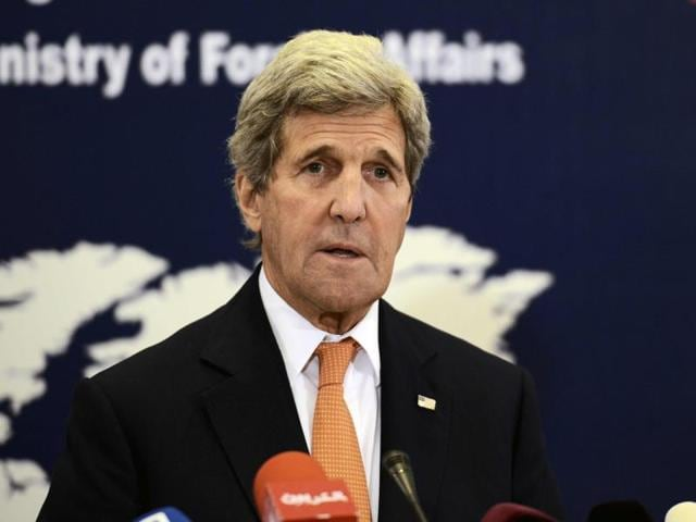 US secretary of state John Kerry will meet Iraqi PMHaider al-Abadi and others for talks on war against Islamic State.