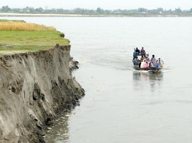 The Kathalguri char near Garoimari is accessible only on a boat. The region near Kamrup's Chhaygaon experiences severe floods and rapid erosion almost every year.(Subhendu Ghosh / Hindustan Times)