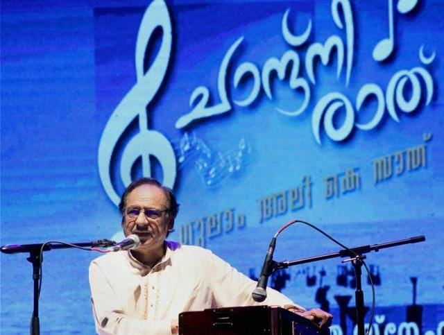 Ghulam Ali says Shreya Ghoshal and Sonu Nigam are his favourite Indian singers.
