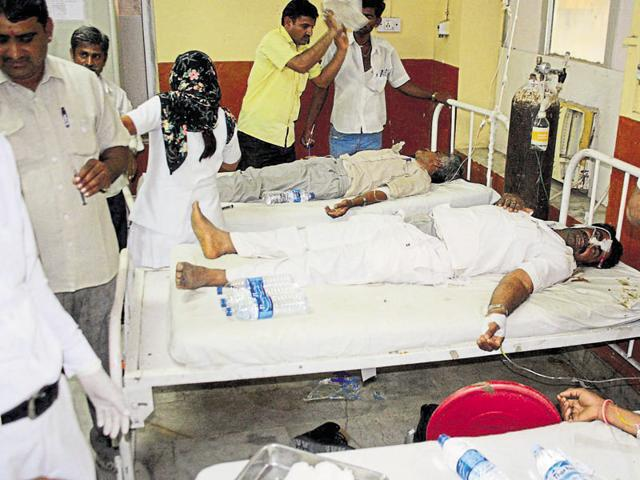 The victims of hooch tragedy undergo treatment at Barmer district hospital.