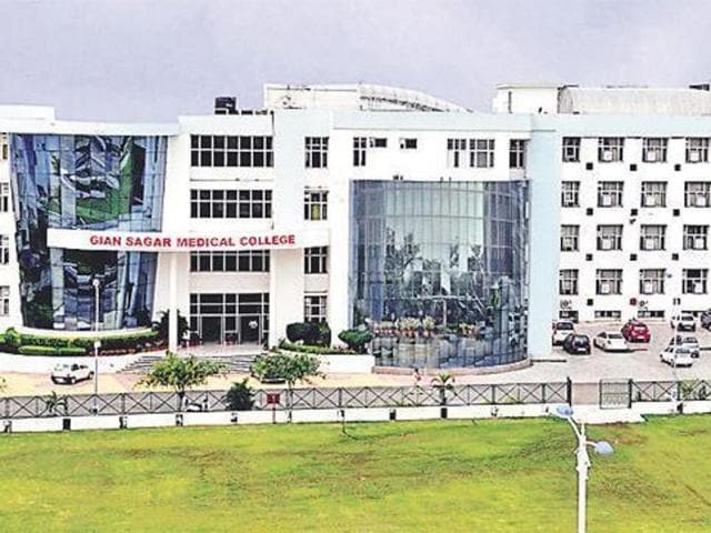 The classes in the medical college have been suspended since February 25 after the college staff announced an indefinite protest over their pending salaries since September.