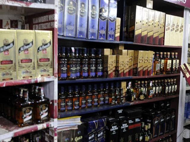 Alcohol consumption in India has increased by a worrying 55% over the last two decades – between 1992 and 2012. (HT photo)