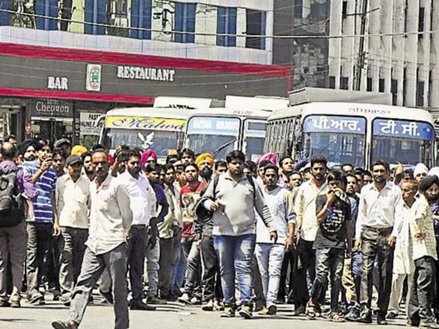 A traffic jam was witnessed for over three hours after the protesters laid siege at Atam Park roundabout in Ludhiana on Friday.