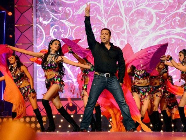 Writer Vijayendra Prasad has said that Bollywood actor Salman Khan has expressed a desire to work in the Tamil and Telugu versions of Eega sequel.