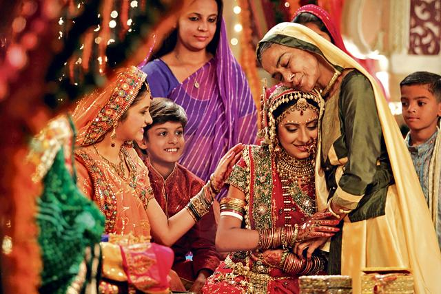 Pratyusha Banerjee (centre) in a scene from the show Balika Vadhu where she played the protagonist Anandi