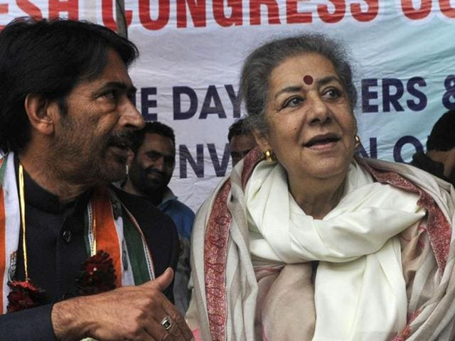 Congress general secretary Ambika Soni, in-charge of Jammu and Kashmir party affairs, with state unit leaders  in Srinagar on Monday.