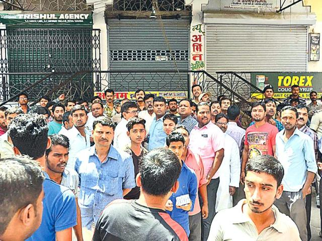 Agitated over the medicine trader's murder in Patna, businessmen pulled down their shutters on Monday.