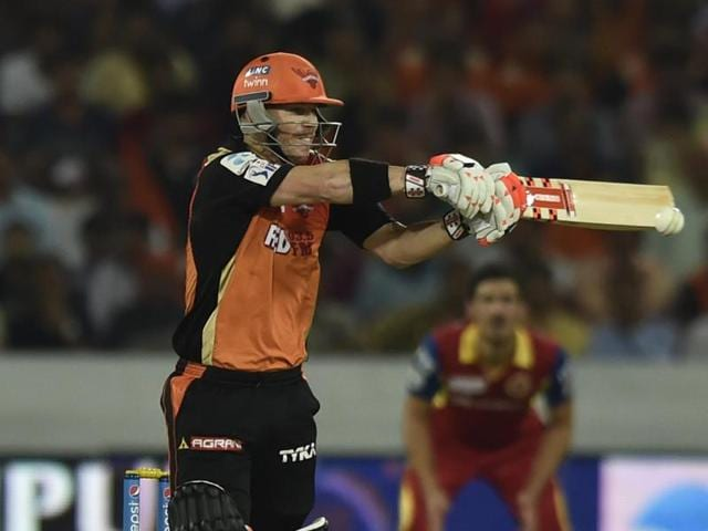 David Warner will have to fire if Sunrisers Hyderabad are to have any chance of chasing down 228.