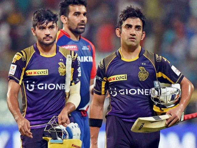 The Kolkata Knight Riders eased to a win over Daredevils in their first IPL match of the season on Sunday.