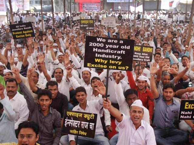 Jewellers protesting against the proposed hike in excise duty on jewellery in Mumbai, took back their strike temporarily on Monday.