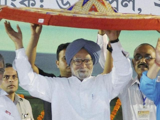 Former prime minister Manmohan Singh during an election campaign at Chandmari in Guwahati.