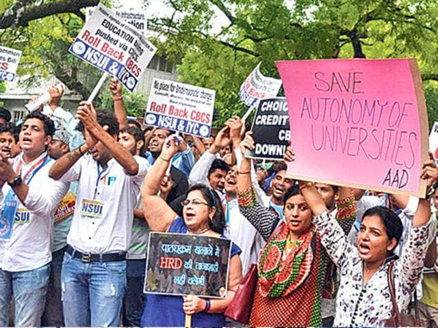 NSUI supporters campaigning against choice-based credit system (CBCS).