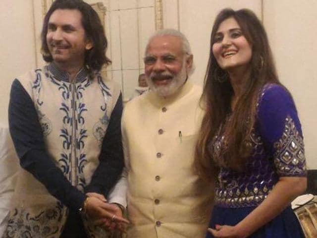(From left) Duchess of Cambridge, Kate, Rahul Sharma's wife, Barkha Sharma, Rahul Sharma and Prince William.