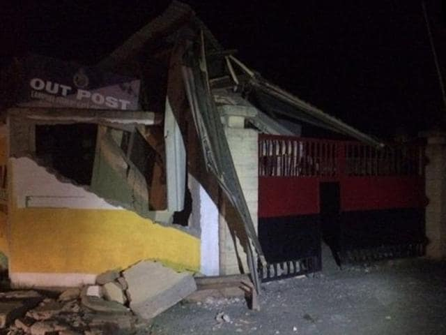 A police outpost building in Imphal (Manipur) collapsed after tremors were felt in the city.