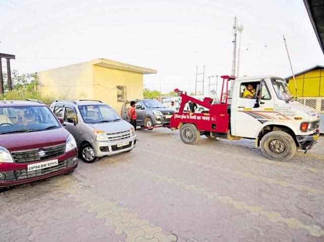 Autorickshaws,Greater Noida,Traffic police