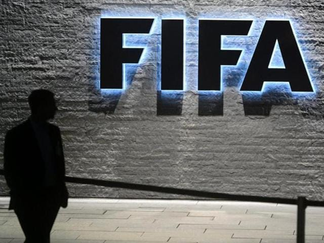 Fifa has reached a deal with the Greek government and Hellenic Football Federation (EPO) to restart the national cup competition and avoid an international ban.