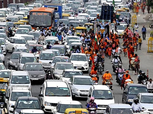 Heavy traffic at ITO, New Delhi. The Centre has proposed an ambitious plan to tackled to problem of congestion in the capital.