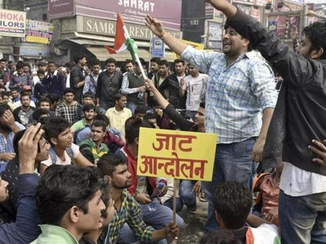 Former Indian Police Service officer Prakash Singh has said the deliberate police inaction during the Jat quota violence in February had a caste tinge to it.