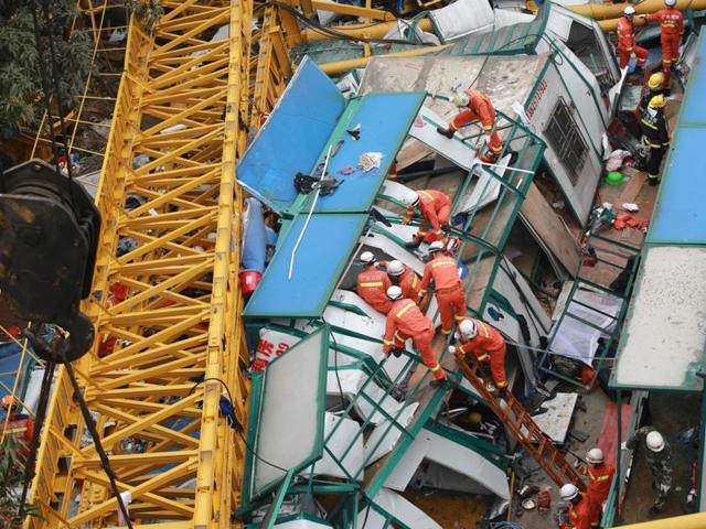 Crane collapse,china Crane collapse,Dongguan