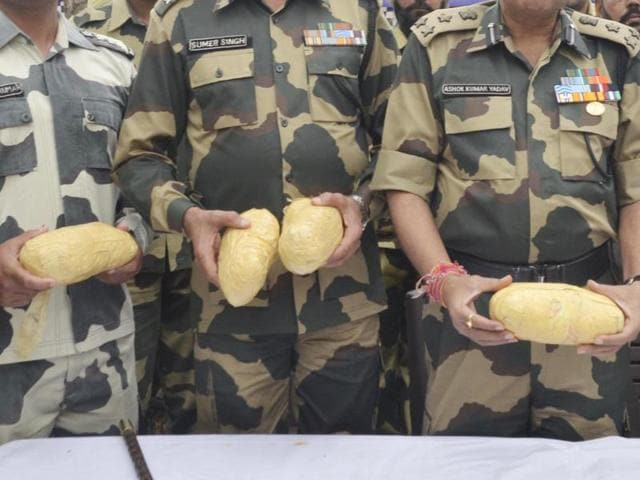 In a joint operation, the BSF and the DRI arrested two smugglers in Ferozepur and seized 30kg heroin from their possession.