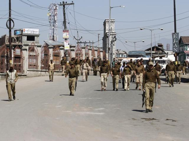 Police have imposed restrictions in downtown areas of capital Srinagar and parts of Kupwara district.(Waseem Andrabi/HT Photo)