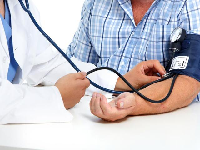 A difference in systolic blood pressure measurements between the two arms is associated with almost double the risk of death from heart-related disease, finds a study.