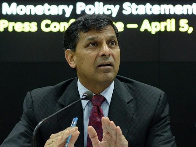 RBI governor Raghuram Rajan interacts with journalists during a news conference in Mumbai.