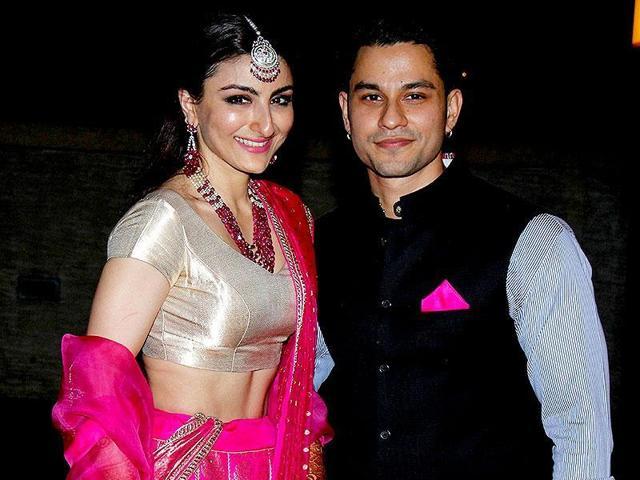 Soha Ali Khan and Kunal Kemmu in Mumbai at their wedding reception. (Photo: IANS)