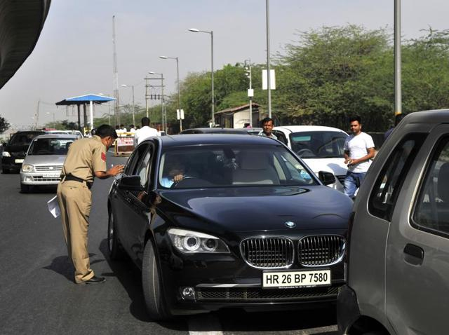 The second phase of the Delhi government's ambitious odd-even scheme will face its true test on Monday, after schools and offices reopen after the weekend.