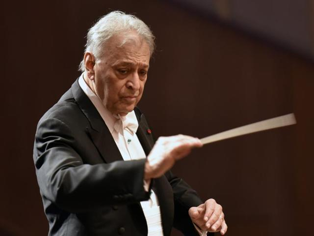 Zubin Mehta rehearses with the orchestra at NCPA on Sunday.(Kunal Patil/HT)