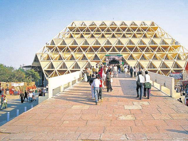 The Hall of Nations provides an uninterrupted exhibition area of approximately 6,700 sq m in a pyramid supported on eight points
