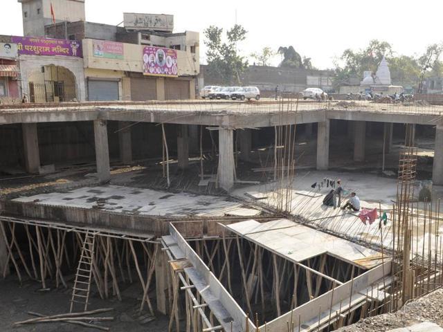 Amritsar,Projects in limbo,Deadline set