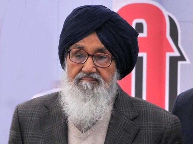 Parkash Badal,Narendra Modi,wheat procurement