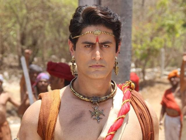 Though Raina already had the required muscular body for playing Shiv, he seems to have built more muscle for this role