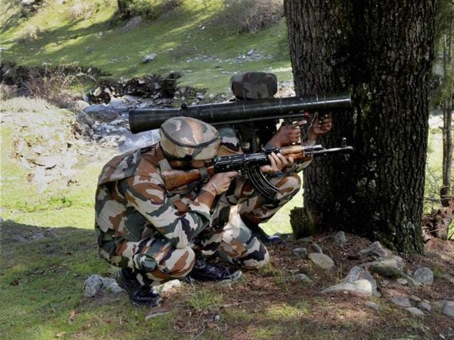 Pakistani troops violated the ceasefire along the International Border (IB) in the Sabma district of Jammu and Kashmir on Tuesday.