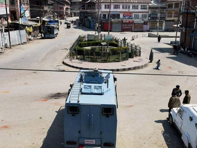 The army bunkers in Handwara main market were removed to vacate the premises for a public park.