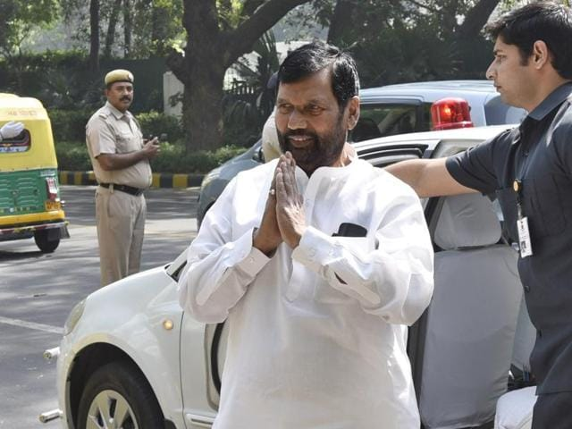 Ram Vilas Paswan, Union Minister of Food and Public Distribution said standards that apply to packaged water aren't enforceable on municipal supply . (Photo by Sanjeev Verma/ Hindustan Times)